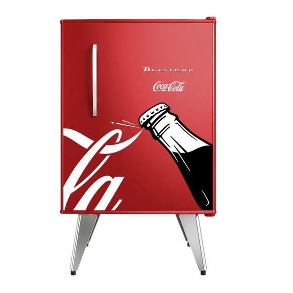 Oferta Frigobar Brastemp Retrô Edição Limitada Coca-Cola - BRA08CV por R$ 2281.11